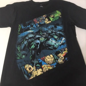 DC Comics Shirt Size Medium